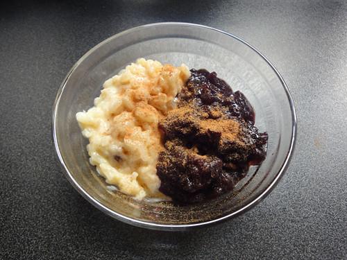 Combinado: arroz con leche y mazamorra morada