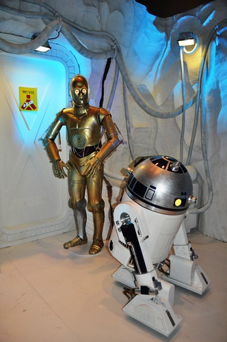 Droids in R2 Builders Room