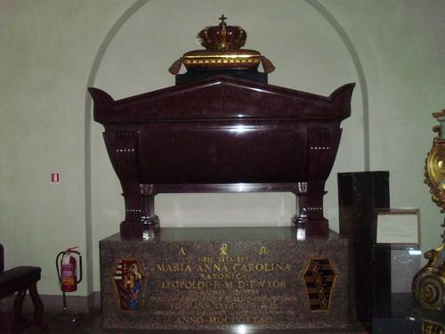 Monumento funebre Carolina di Sassonia, moglie di Leopoldo II il Canapone