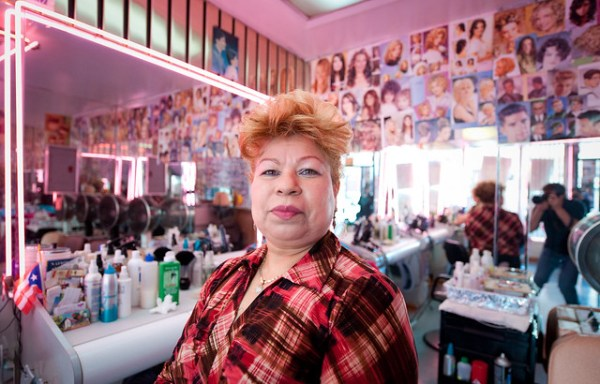 Alba: Hairdresser in Bushwick