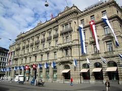 Zürich: Paradeplatz - Hauptsitz der Credit Suisse