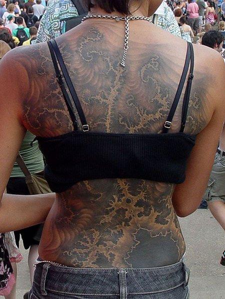 Conjunto de Mandelbrot en una espalda