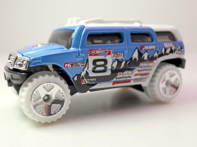 hot wheels snowy rockster  (2)