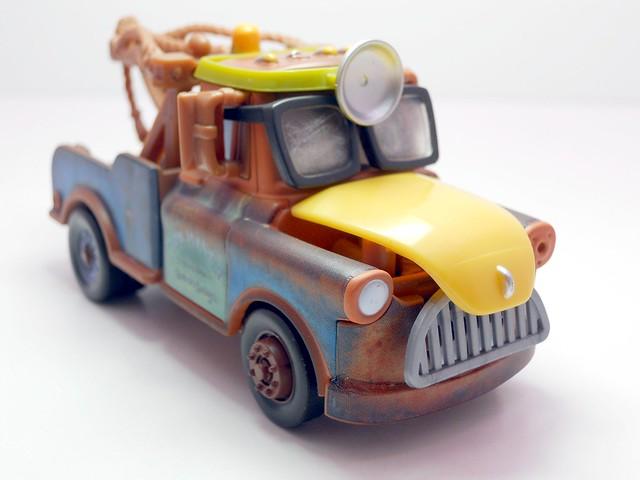 cars toon tokyo mater dr. abschlepp wagen (2)