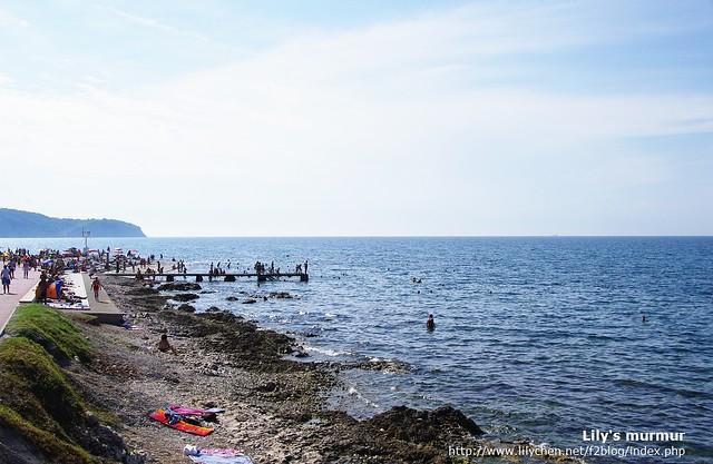 Izola的海岸屬於沿岸,但海水非常的清澈,不過個人感覺好像有比較鹹一點...
