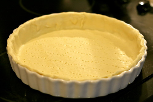 blind baking shortcrust pastry © dan and tuesday
