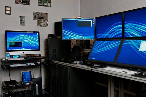 iMac in the Home Office by Stefan Didak
