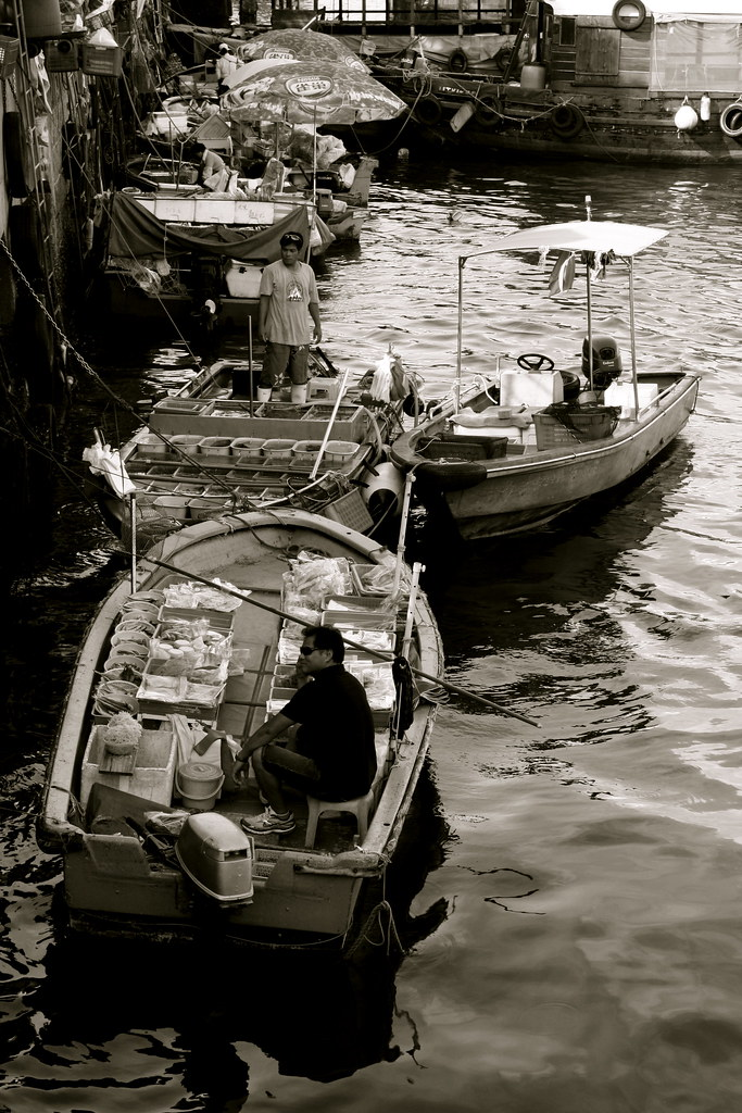 Seafood sellers at Sai Kung
