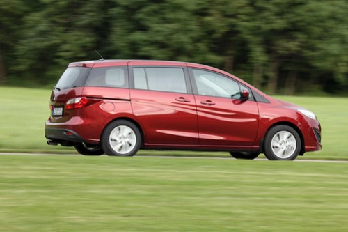 Mazda5_red_action_16