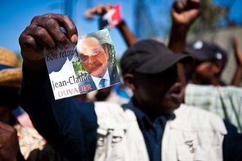 Duvalier-Supporter3