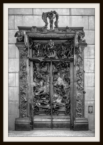 Rodin's Gates of Hell - Canon PowerShot S95 - HDR