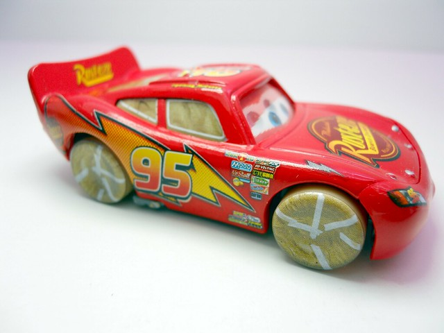 DISNEY CARS KMART COLLECTOR DAY 5 CHASE PAINT MASK LIGHTNG MCQUEEN   (2)