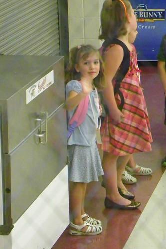 1st day Kindergarten waving