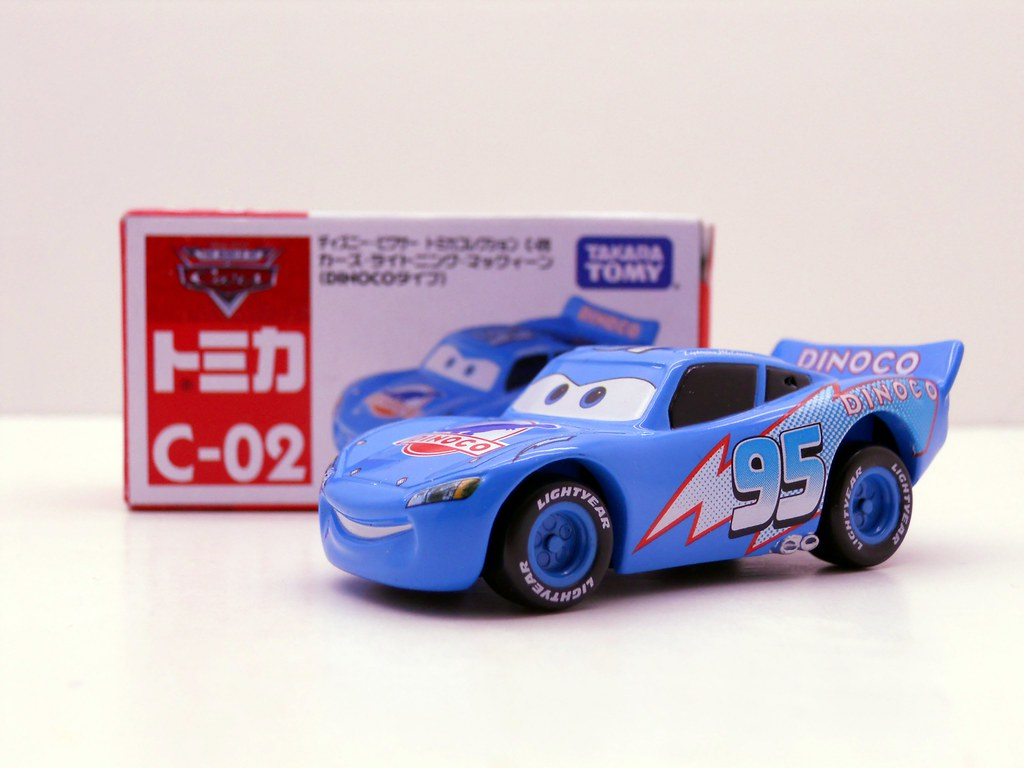 tomica disney cars dinoco lightning mcqueen (2)