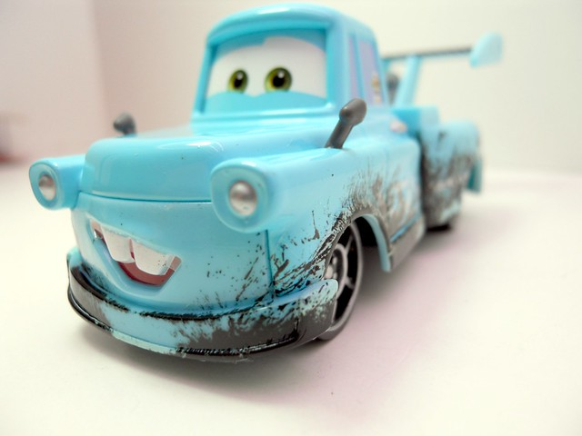 disney CARS Toon Tokyo MAter With Oil Stains (4)