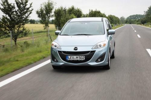 Mazda5_blue_action_13