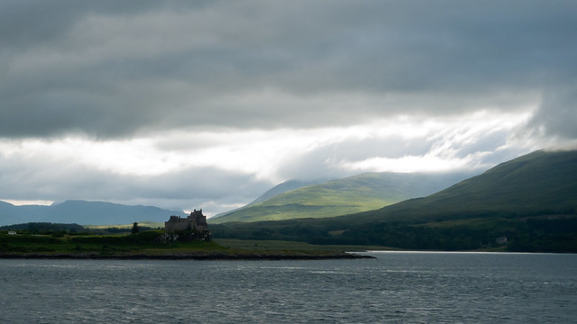 Isle of Mull, Duart Castle in foreground