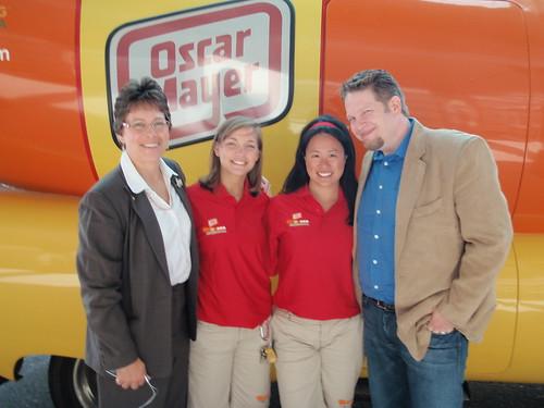 Chris Brogan with Wendy Soucie and Hotdoggers Rachel and Tara