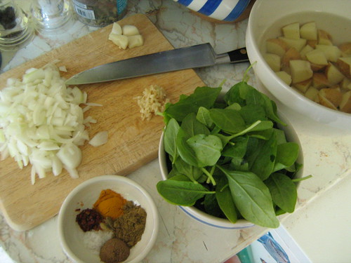 saag aloo - ingredients