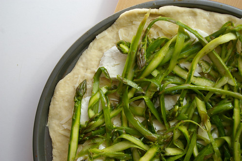Shaved aspargus pizza I