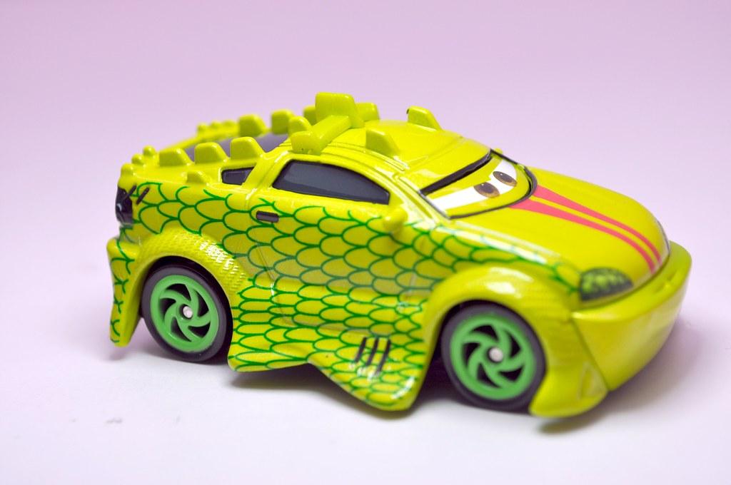 disney cars tokyo mater komodo (4)