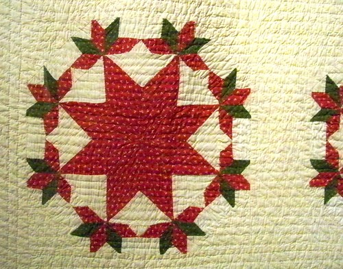 antique green and red star quilt - shelburne museum