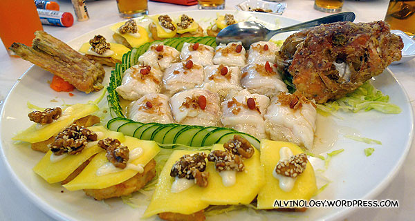Fish slices wrapped with pork skin and ngor hiam with mango - serious overdose of ngor hiam in every dish