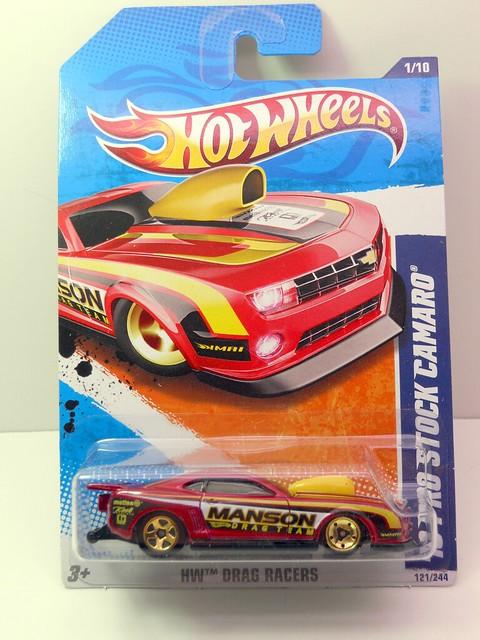 hot wheels '10 pro stock camaro red (1)