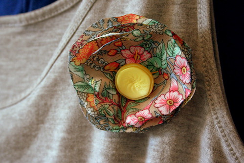 Easy Flower Brooch