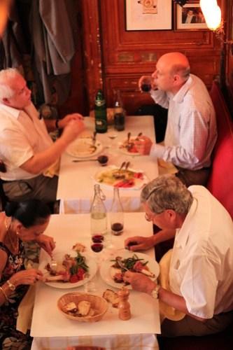 Diners at Le Garet, Lyon