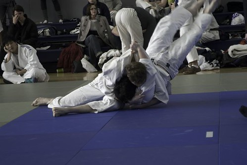 Matt holds for ippon