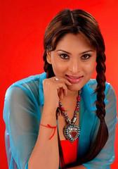 Indian Actress Ramya Hot Sexy Images Set-2  (19)