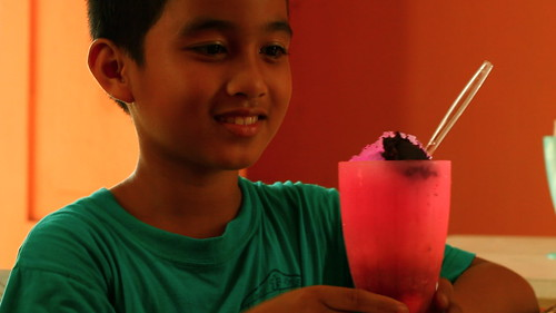 Natoy(Paolo Constantino) and pink halo halo