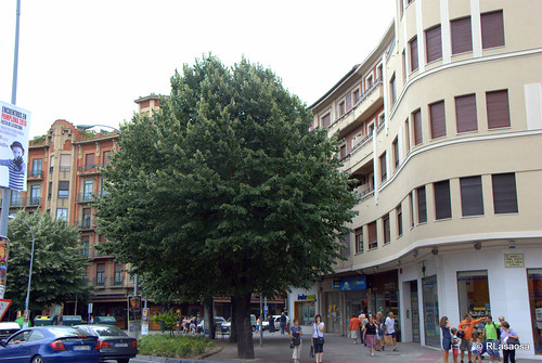 Edificio de viviendas en la Plaza Príncipa de Viana, Pamplona