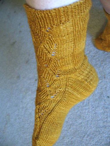 Ribbed Ribbons Socks1a.JPG