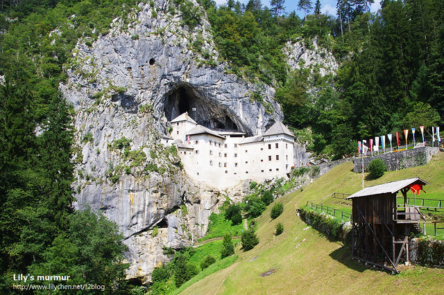 Predjama castle外觀,是不是很有氣勢呢?