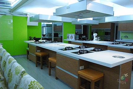 Yamicook 廚藝教室內的學員料理區
