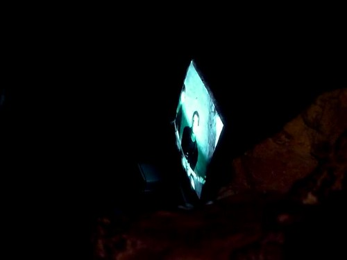 Le dispositif vidéo entre le cachot de l'Abbé Faria et celui d'Edmond Dantès au Château d'If