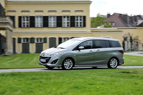 Mazda5_aluminium_action_17