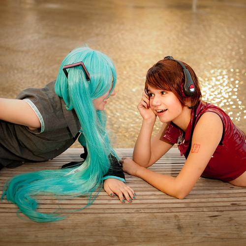Models: Haley and Sahara