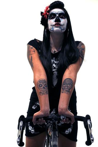 Mayra y su bicicleta