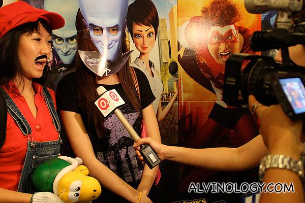 Chrispytine/female Mario, getting interviewed with Qiuting