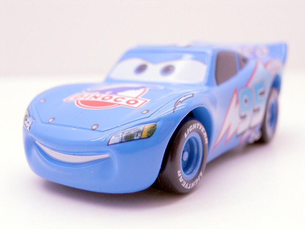 tomica disney cars dinoco lightning mcqueen (4)