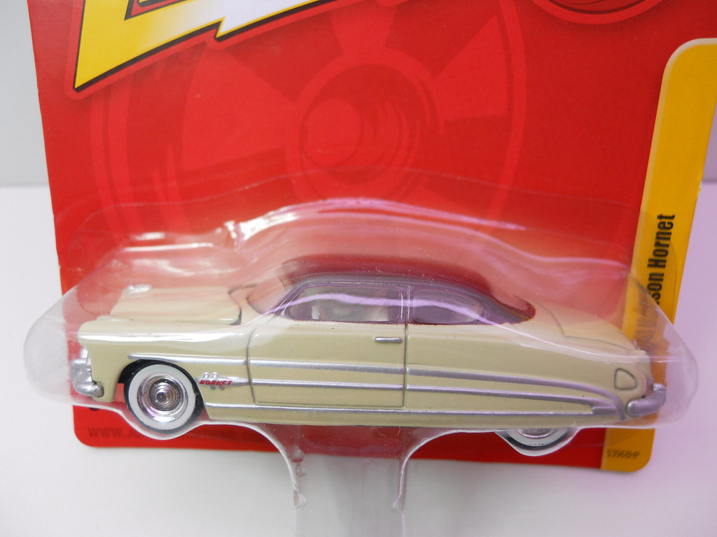 johnny lighting hudson hornet cream (1)