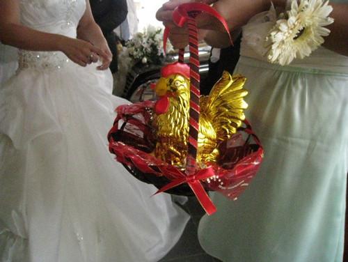 Leo's wedding 3 - The golden chickens