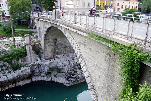 Kanal ob Soči 小鎮的石橋,斯洛維尼亞每年八月都會在這裡舉辦跳水活動。
