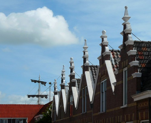 Harlingen - Häuser und Schiffe