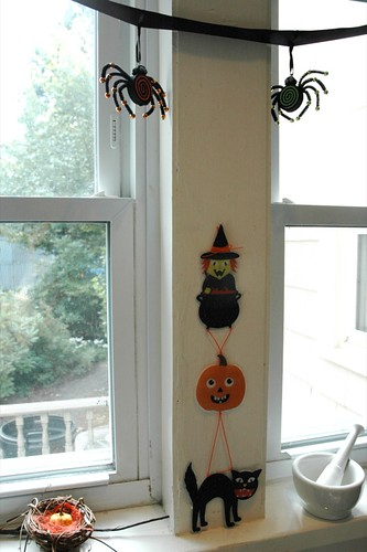 Halloween Kitchen decor detail