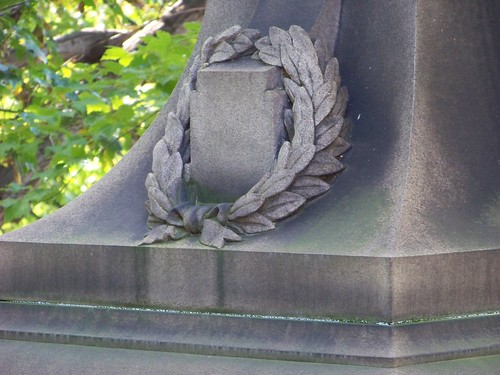 Wreath on Peck monument