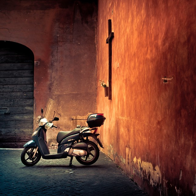 Cuba Gallery: Italy / Rome / urban / motorbike  / orange / street photography